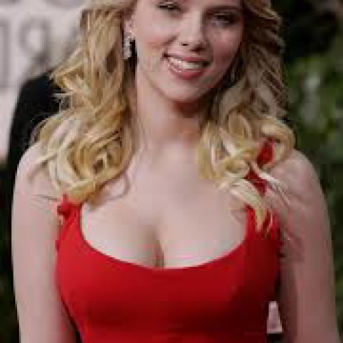Scarlett Johansson is Named The Sexxiest Woman Alive, But is She?